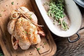 cuisiner une pintade cuisiner la volaille pour noël