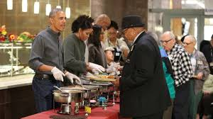 obama and family serve thanksgiving meal to vets in washington 11