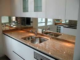 cuisine avec plan de travail en granit plan de travail granit blanc maison design bahbe com