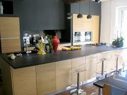 cuisine plan travail granit cuisine chene clair plan travail noir inspirant cuisine avec plan de