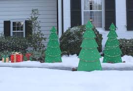 Lighted Christmas Outdoor Decorations by Homemade Lighted Christmas Yard Decorations Designcorner