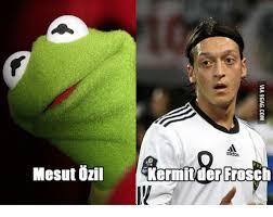 Ozil Meme - mesut ozil kermit der frosch ozil meme on me me