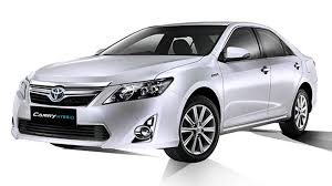 toyota hybrid 2014 toyota camry hybrid a good excuse for a little extra driving