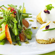 cuisiner des haricots verts frais salade de haricots verts et fraises au fromage frais recette au
