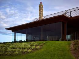 lakeside retreat lets the views add drama to its interior decor