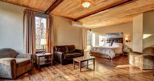 chambre ou choisissez entre chambre ou condo séparé à l auberge du lac taureau