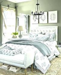 decorating a bedroom i need help decorating my bedroom how to decorate my small bedroom