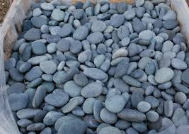 Pebbles And Rocks Garden Black Mexican Pebbles Landscaping Ideas Pinterest