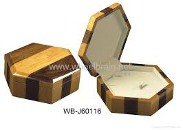 Free Wood Plans Jewelry Box by Kami Shed