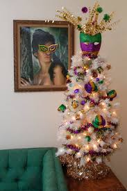 New Orleans Decorating Ideas How To Decorate A Table Top Mardi Gras Tree Blog Treetopia Com