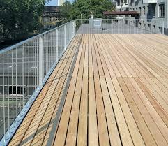 balkon stahlkonstruktion preis dachterrasse mit gelaender und holzrost 02 detail 02