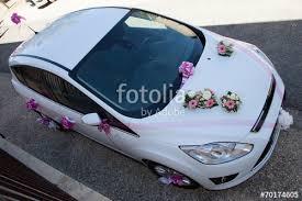 deco mariage voiture voiture blanche décoration mariage photo libre de droits sur la