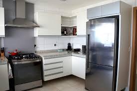 Kitchen Projects Ideas Cozinha Em Formica Branca Com Detalhes Em Vidro Prata By Casa Art