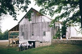 Inexpensive Wedding Venues In Maine Barn Wedding Venues Rustic Barn Wedding 100 Layer Cake