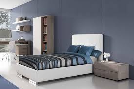 Wandfarbe Schlafzimmer Graues Bett Graues Bett Welche Wandfarbe Great Moderne Deko Welcher Putz Furs