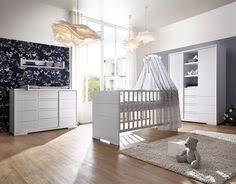 kinderzimmer landhausstil robustes babybett im romantischen landhausstil betten de