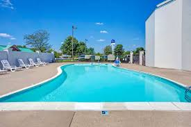 Kentucky wild swimming images Baymont inn suites louisville airport south louisville hotels jpg