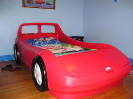 Create Creative And Fun Bedrooms With Theme Race Car Bunk Beds For - Race car bunk bed