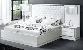 chambre blanc laqué chambre a coucher blanc design emejing chambre a coucher conforama