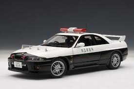 nissan skyline all models autoart 1 18 scale nissan skyline gt r r33 police car limited