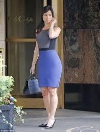 tight dress béré marlohe shows curvy figure in a tight dress