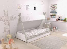 chambre bébé montessori 5 idées pour une chambre enfant montessori auchan et moi