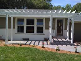 Colonial House With Farmers Porch Best 25 Front Porch Pergola Ideas On Pinterest Pergolas Back