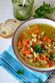 cuisiner les haricots blancs une aiguille dans l potage minestrone aux haricots blancs et pesto