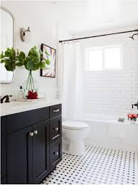 bungalow bathroom ideas best 25 bungalow bathroom ideas on craftsman bathtubs