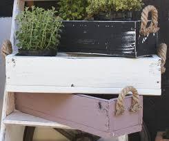 blumenkasten holz balkon die besten 25 blumenkästen ideen auf diy pflanzer