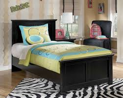 Black Panel Bed Black Cottage Style Queen Panel Bed Marjen Of Chicago Chicago