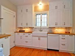 Can You Refinish Kitchen Cabinets Refinishing Oak Kitchen Cabinets Before And After How To Refinish
