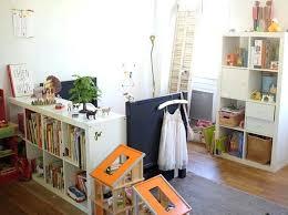amenager chambre parents avec bebe bebe dans chambre des parents cloisonner avec des panneaux japonais