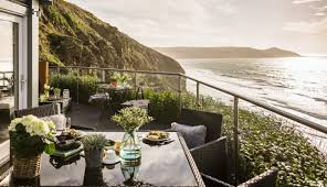 top cabin by the sea whitsand bay cornwall