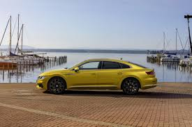 volkswagen arteon rear how vw u0027s arteon compares uk car lease pcp u0026 pch deals