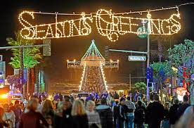 manhattan beach pier lighting 2017 manhattan beach turns on pier lights for holidays daily breeze