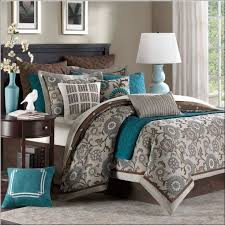 What Is The Difference Between A Coverlet And A Comforter Bedroom Magnificent Difference Between Bedspread And Quilt Queen