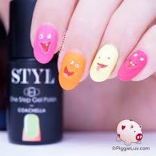 piggieluv funny faces nail art