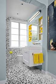 black and white bathroom design ideas best 25 yellow small bathrooms ideas on cottage