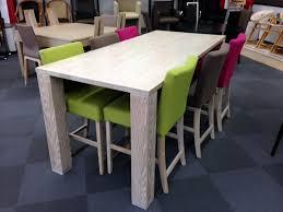 chaises cuisine couleur rupture des couleurs pour un intérieur design 4 pieds tables