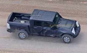 new jeep truck 2018 first glimpse new jeep wrangler pickup spied onallcylinders