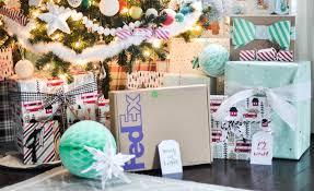 diy holiday confetti packing peanuts u0026 free matching printable