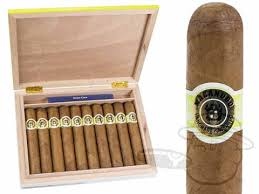 cigar gift set macanudo cafe gigante travel humidor gift set 6 x 60 10 cigars in