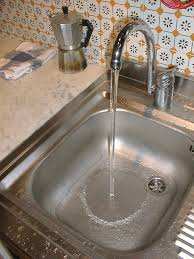 Low Hot Water Pressure Kitchen Sink by Why Does Flow From My Kitchen Sink U0027s Tap Have To Be Turbulent To