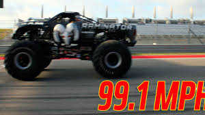 monster truck drag race this 10 500 pound monster truck just destroyed a guinness speed record