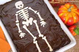 cake with printable skeleton template for halloween