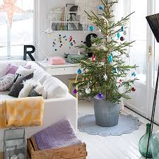 christmas decoration ideas home home dzine craft ideas christmas decor ideas on a budget