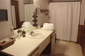guest rooms at the bighorn lodge in noxon montana located in