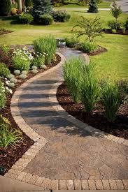Country Backyard Landscaping Ideas by Best 20 Sidewalk Landscaping Ideas On Pinterest Front Walkway