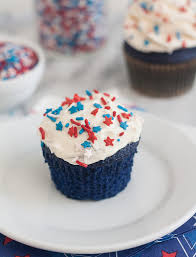 blue velvet cupcakes with easy vanilla buttercream tracey u0027s